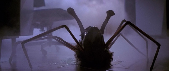 The-Thing-1982-Kurt-Russell-John-Carpenter-The-Thing-Review-560x236